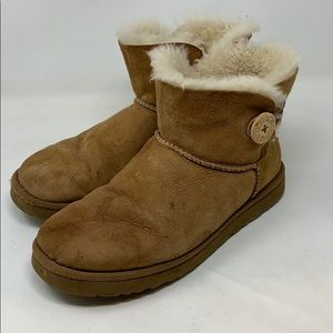 Ugg Short Boots 10